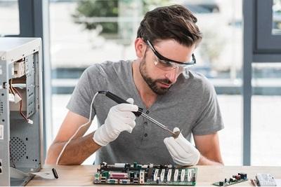 חשוב לבחור מומחה תיקון מחשבים נייחים בעל ידע וניסיון רב